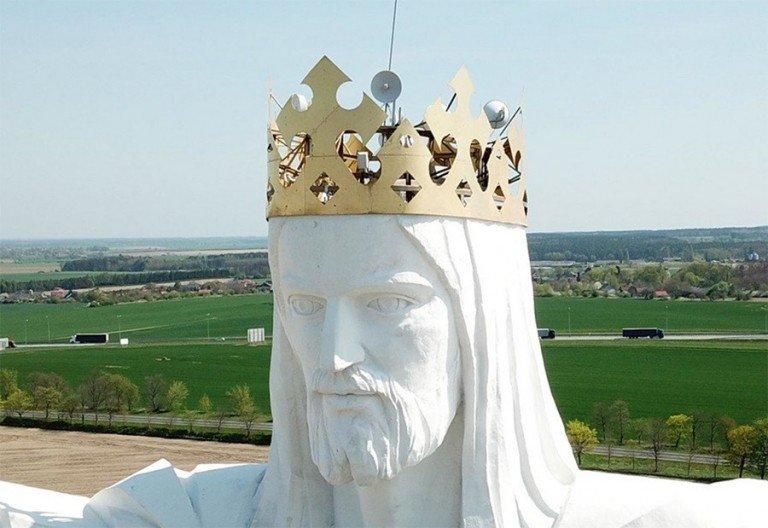 estatua-jesus-polémica-wifi-señal-lavibrante