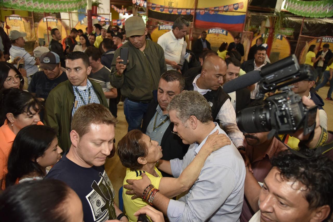 Iván-Duque-recorre-las-calles-de-Bogotá-2