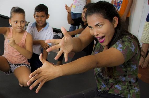 danza-experimental-galeria-mar-puerto-colombia-lv