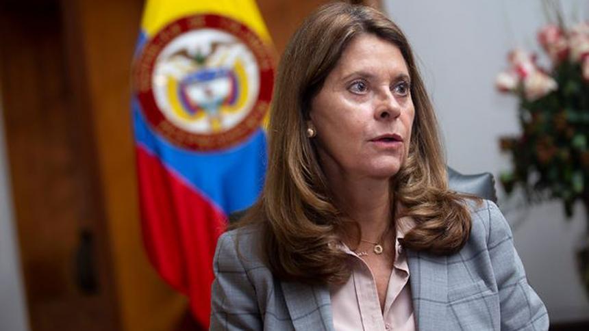 Marta Lucía Ramírez arremete contra el cacerolazo