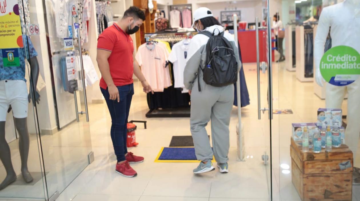 Centros comerciales en Soledad abrieron con estrictas medidas de bioseguridad