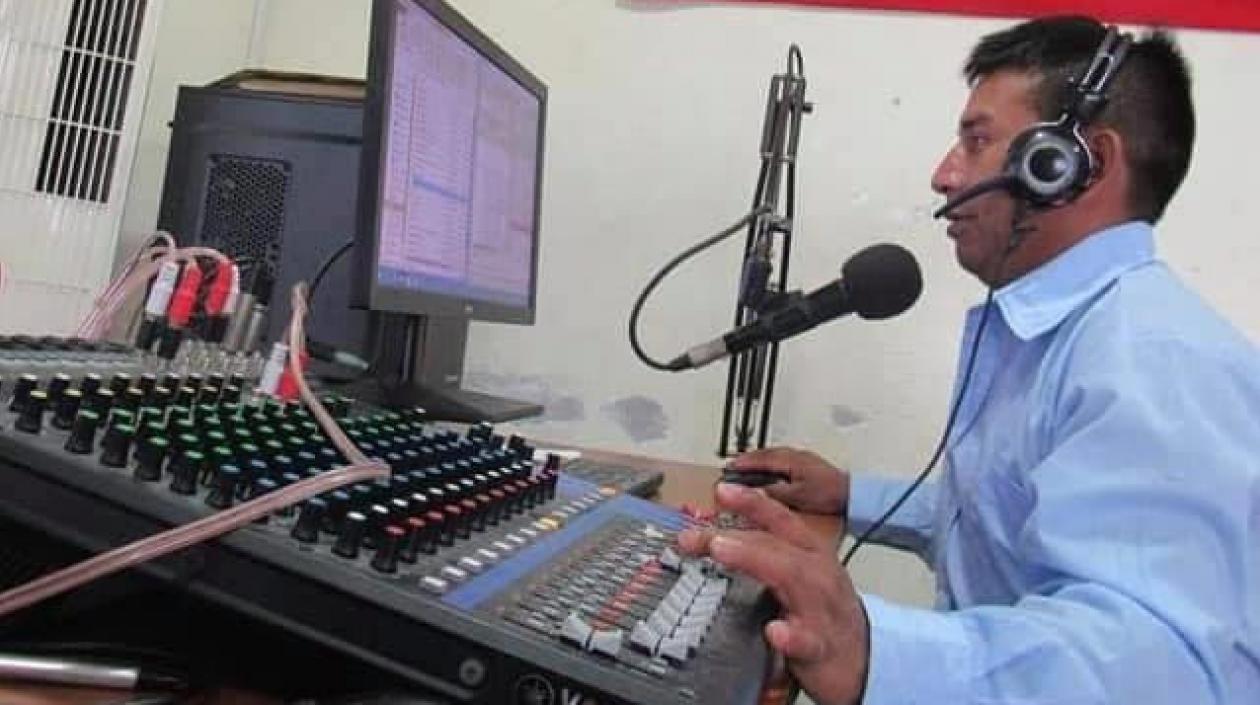 Matan a tiros a dos indígenas, uno era periodista de emisora comunitaria, en desalojo del Ejército