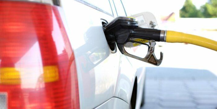 California prohibirá la venta de carros con motores a gasolina a partir de 2035