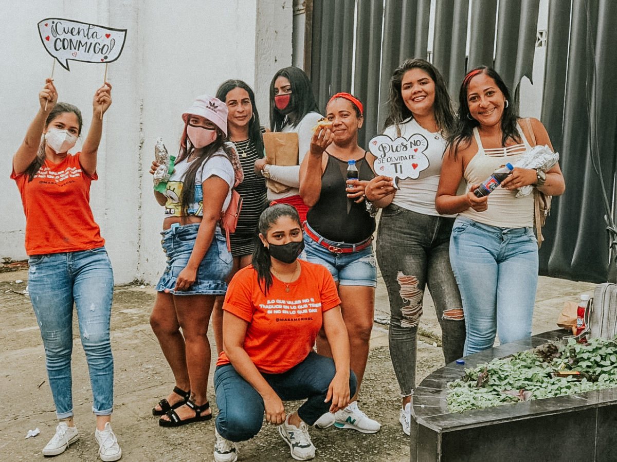 Fundación Más Amor entrega 450 combos de comida rápida – @masamorcol