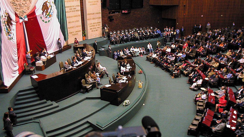 México aprueba consulta popular para investigar a expresidentes