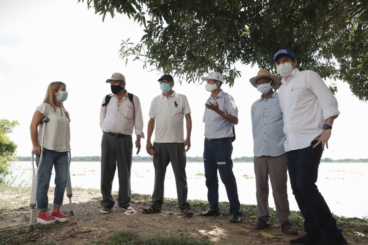 Gobernadora visitó a los campesinos de Suan y Santa Lucía para conocer los retos de los distritos de riego