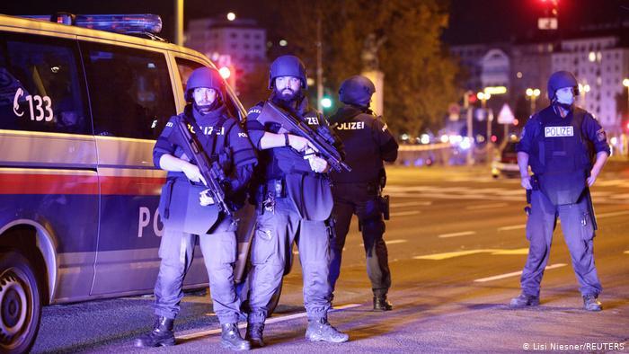 Atentado en Viena deja a dos personas muertas y varios heridos