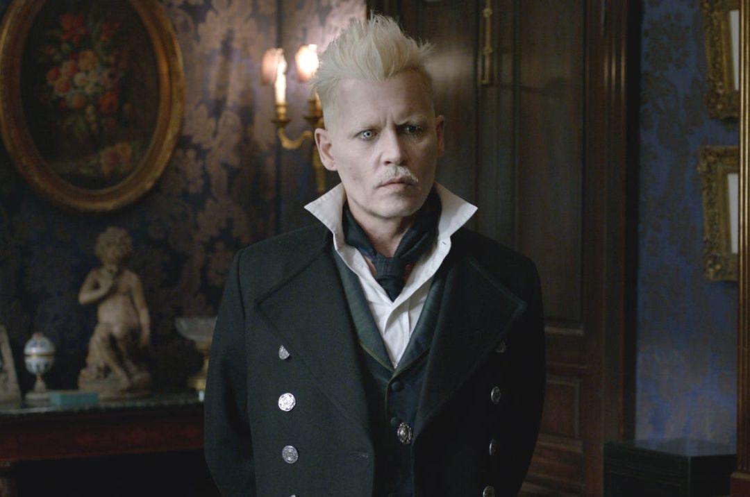 Warner pide a Johnny Depp que renuncie a su papel en 'Animales Fantásticos'