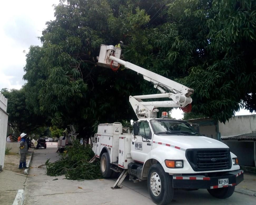 Air-e continúa labores de mejora  del servicio de energía en La Chinita