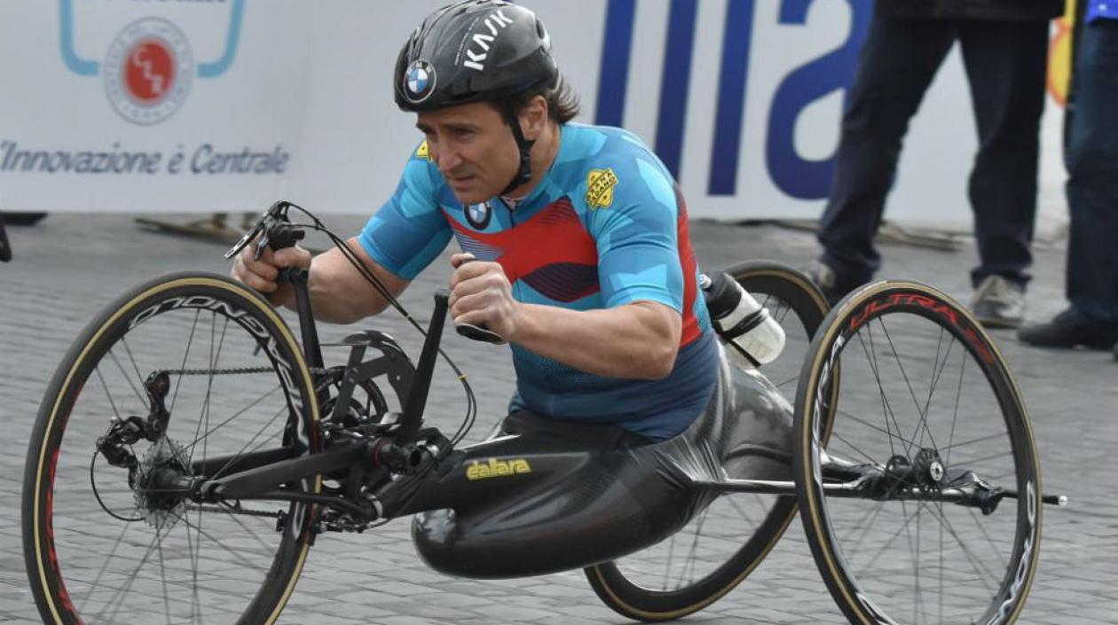 Alex Zanardi, medallista paralímpico, fue trasladado a hospital tras grave accidente