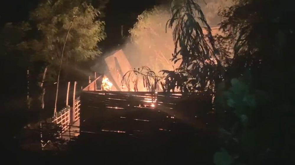 Mataron a joven en Cartagena y comunidad quemó la vivienda de uno de los presuntos homicidas