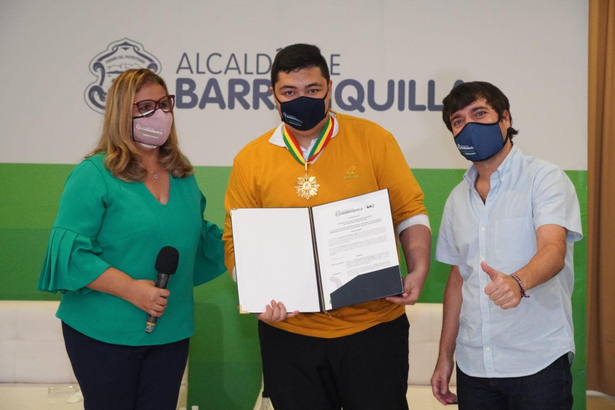 """""""Con educación pública de calidad se puede cambiar la vida de los niños y jóvenes de la ciudad"""": alcalde Pumarejo"""