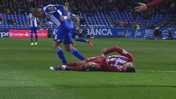 ULTIMA HORA: Jugador se desploma y convulsiona en pleno Partido