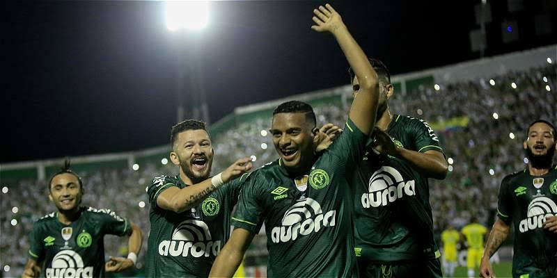 Chapecoense pegó primero en duelo por la Recopa Sudamericana