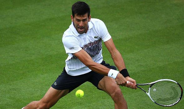 Djokovic a semifinales en Eastbourne