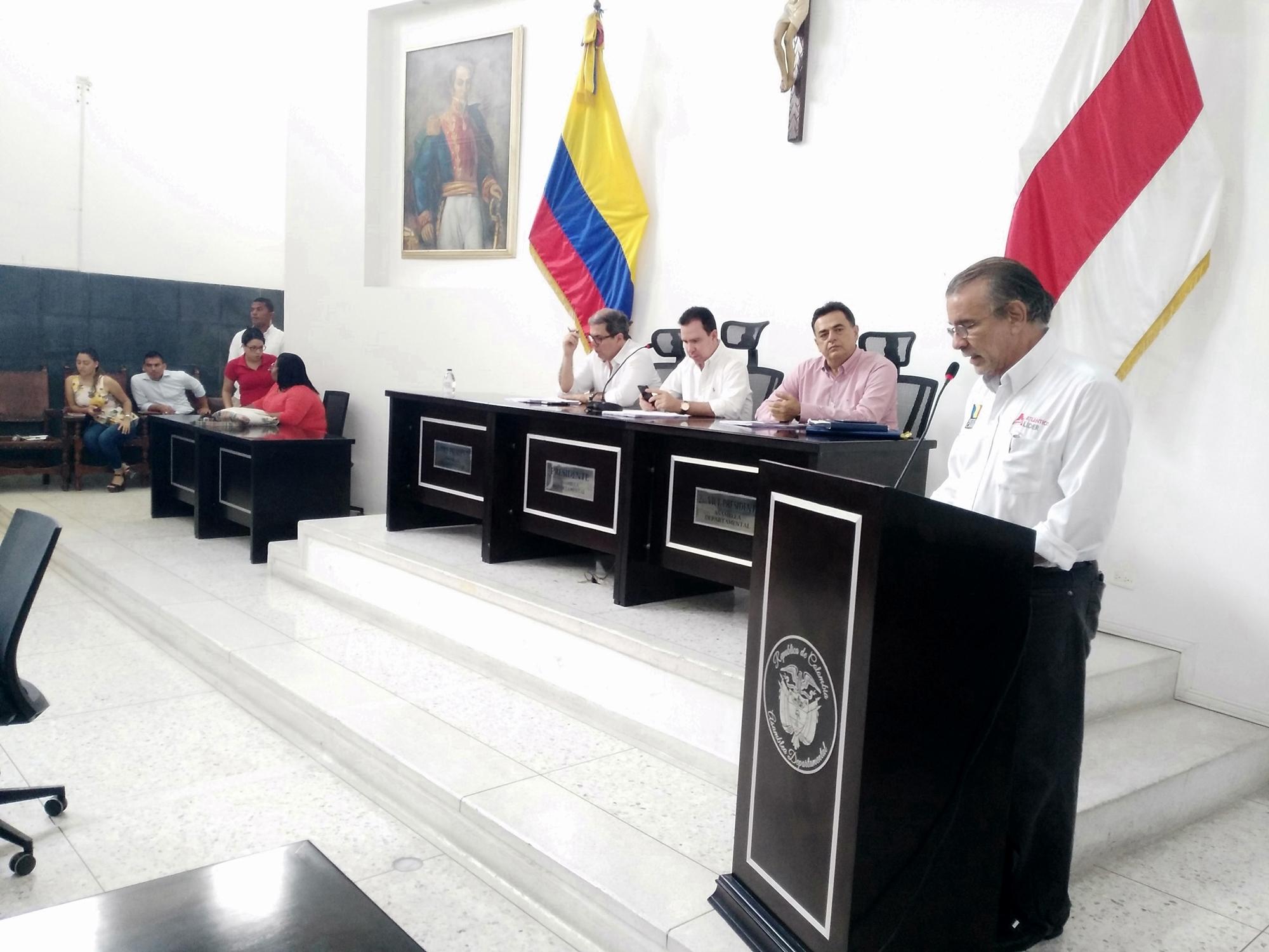 Verano presentó 7 nuevos proyectos para debate de la Asamblea