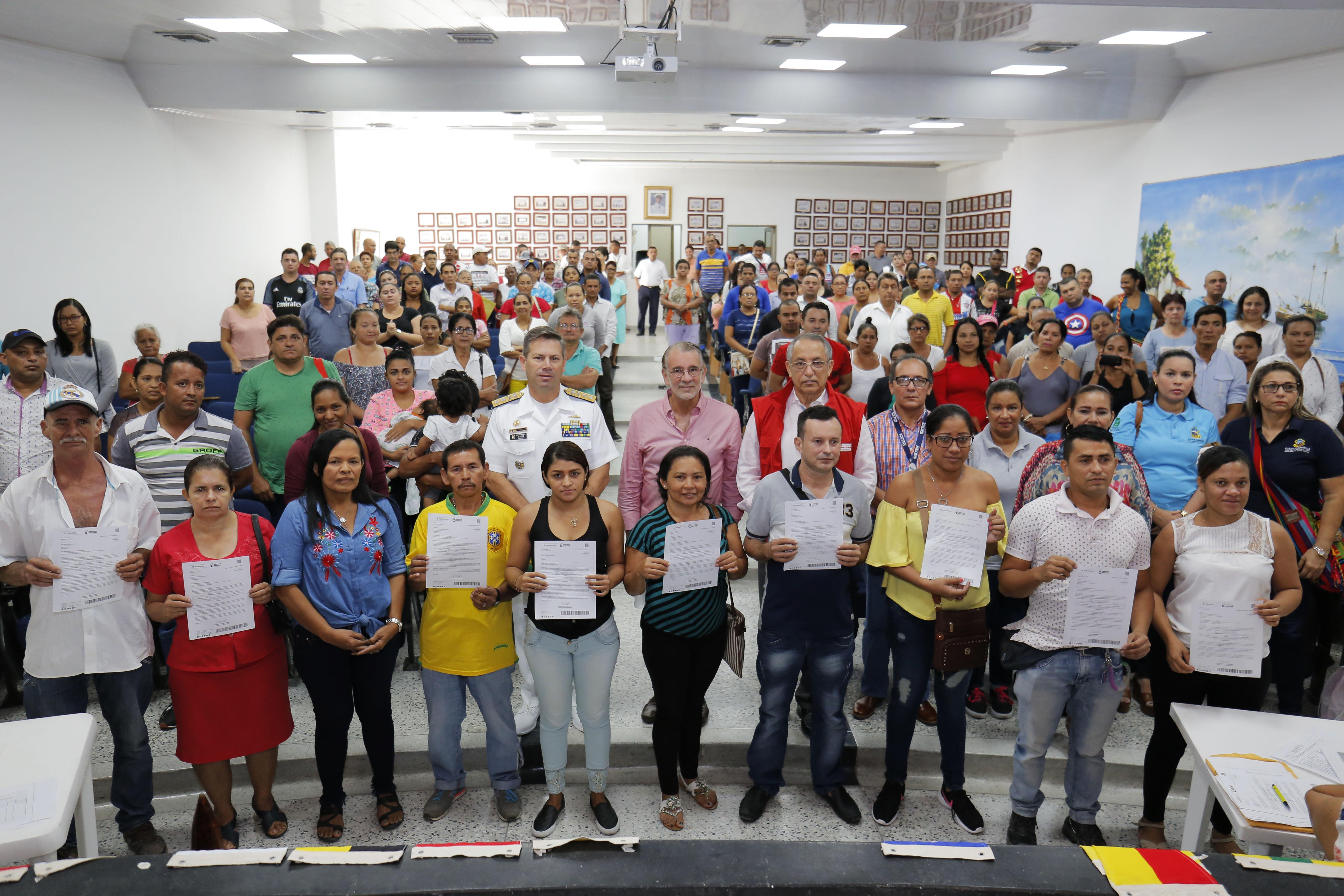 Cartas de Indemnización recibieron 325 víctimas del conflicto en Atlántico