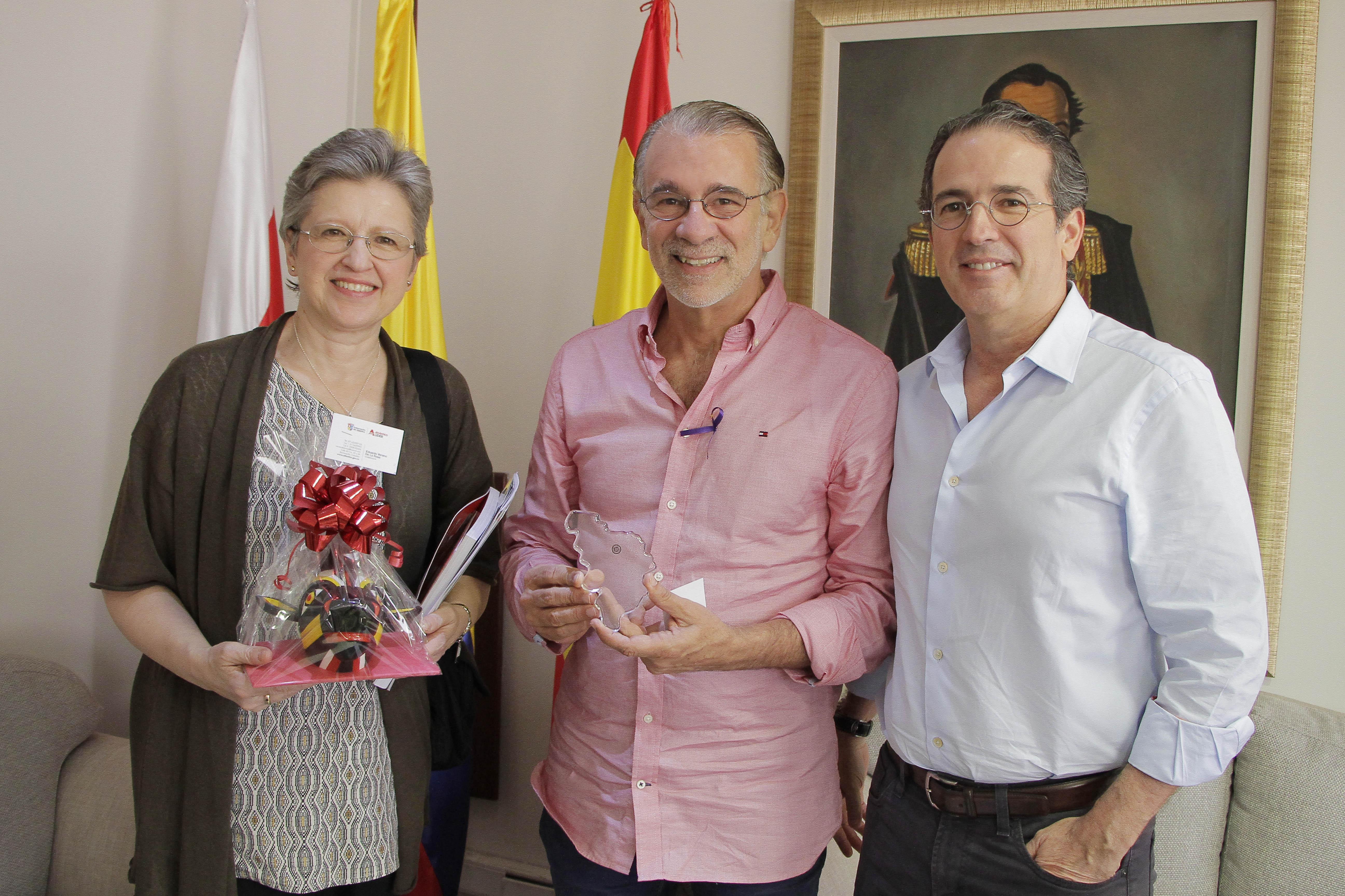 Gobernador del Atlántico recibió visita de la embajadora de Bélgica