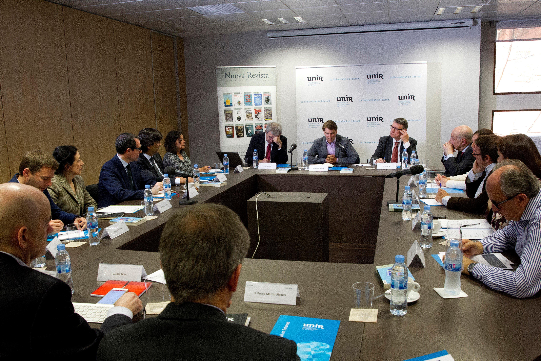"""La UNIR organiza el debate """"España tras la crisis"""""""