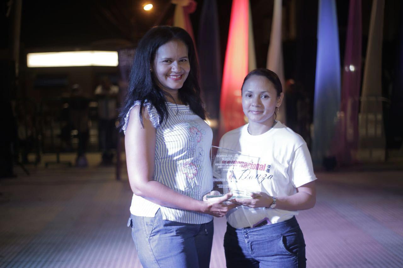 Gobernación rindió homenaje a coreógrafa que rescata la tradición del Atlántico