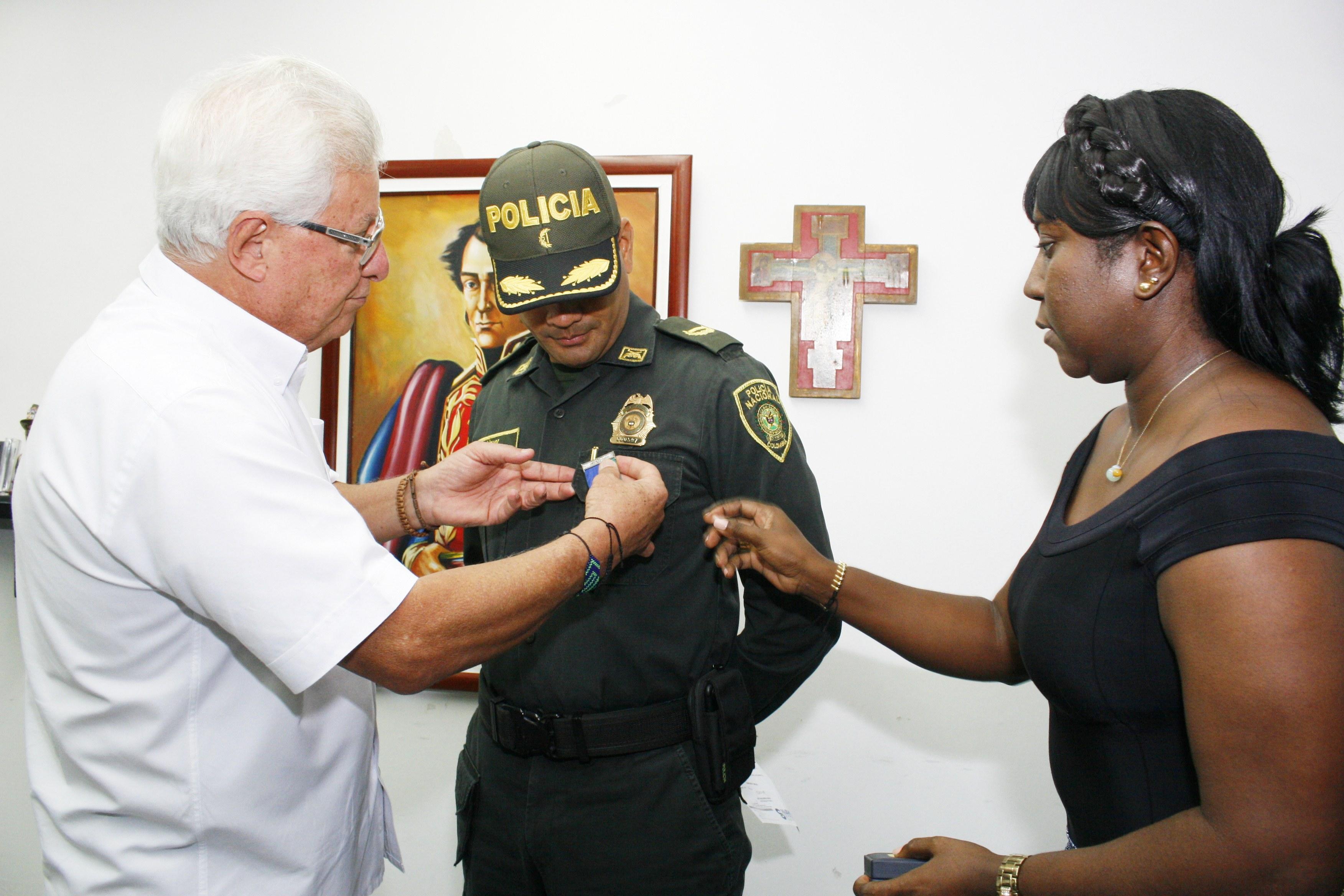Despiden con honores al saliente Comandante de la Policía de Soledad