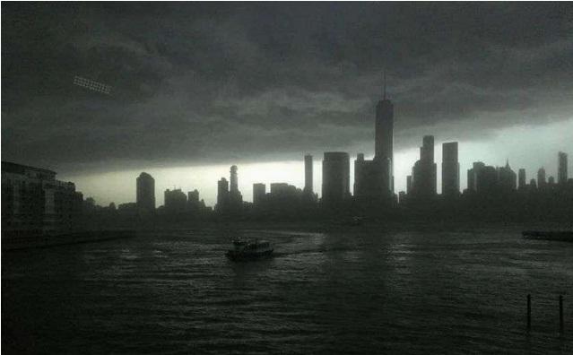 """Nueva York, epicentro de la pandemia en EE.UU., afronta un impacto """"catastrófico"""""""