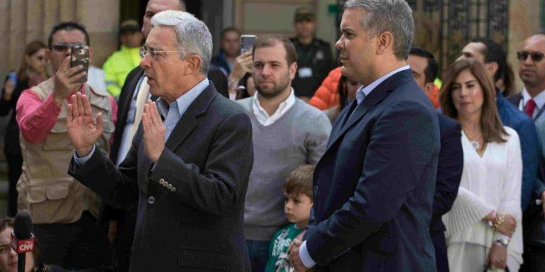 """""""Iván Duque no es títere ni yo soy titiritero. El es brillante y muy preparado"""": Uribe"""