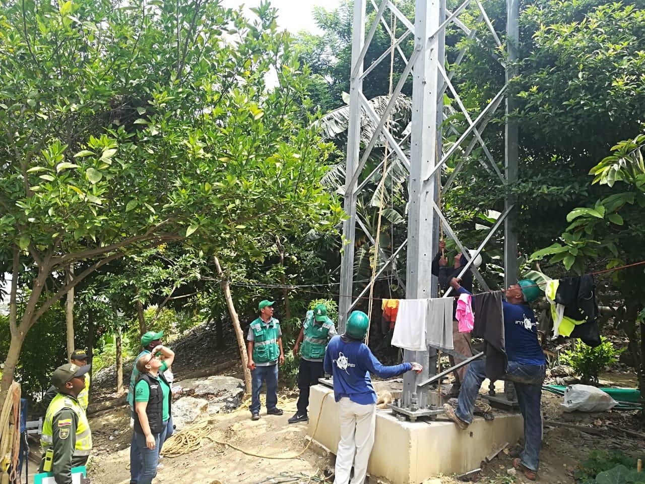 Distrito realiza inspecciones a antenas de telecomunicaciones