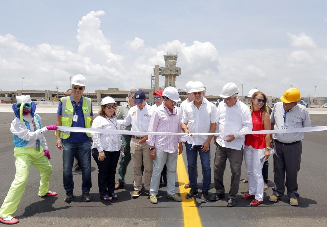 Mintransporte y Verano inauguran renovado campo de vuelo del Ernesto Cortissoz
