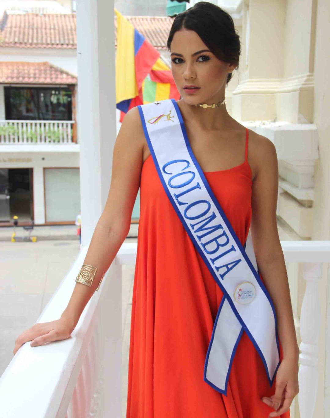 Ana Catalina Mouthon Porto rumbo a Miss Continentes Unidos