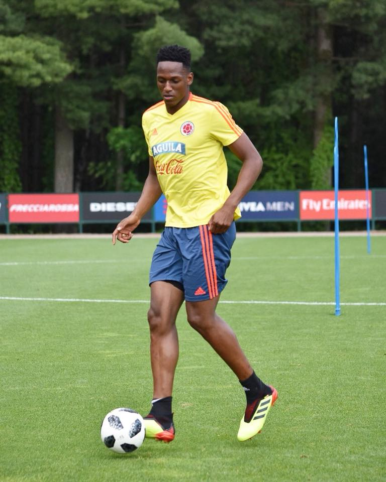 La oferta de Manchester United al Barcelona por Yerry Mina