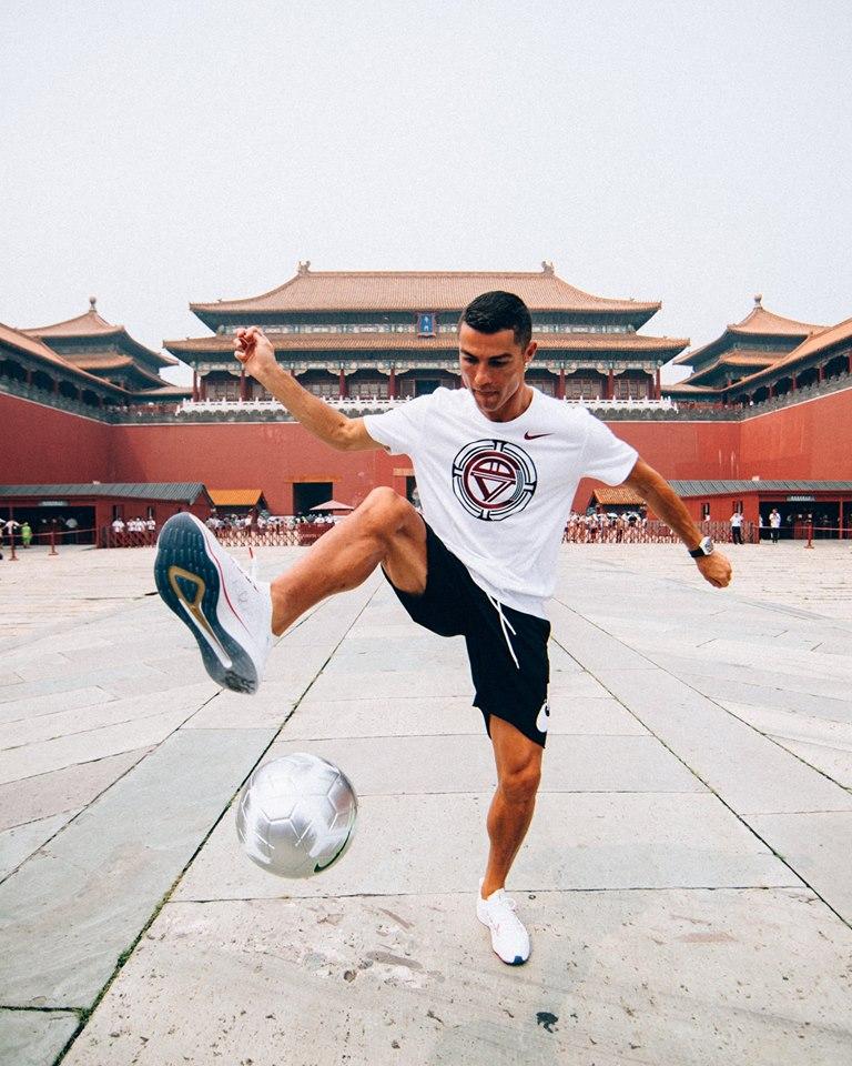 Generoso acto de futbolista ante el COVID-19