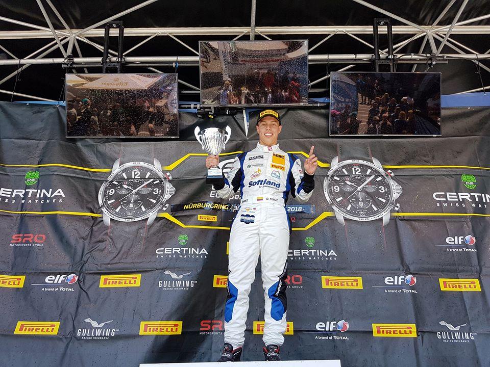 Oscar Tunjo hace historia en Nürburgring, Alemania