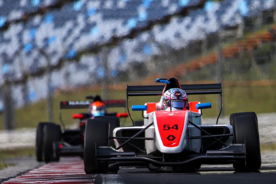 Fórmula Renault Eurocopa: Christian Muñoz acumuló una experiencia valiosa en el Nürburgring