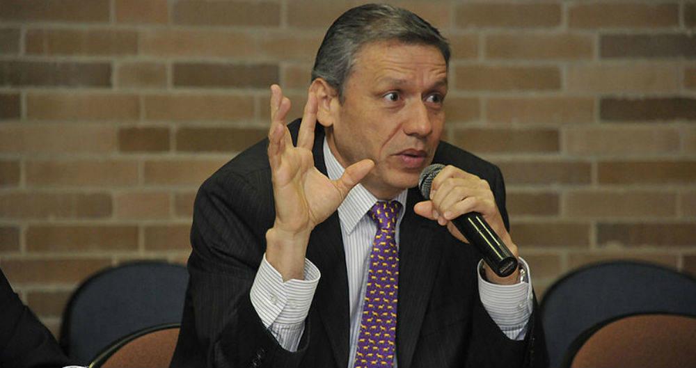 Fiscalía capturó al magistrado Eduardo Castellanos Roso por entrega de información reservada
