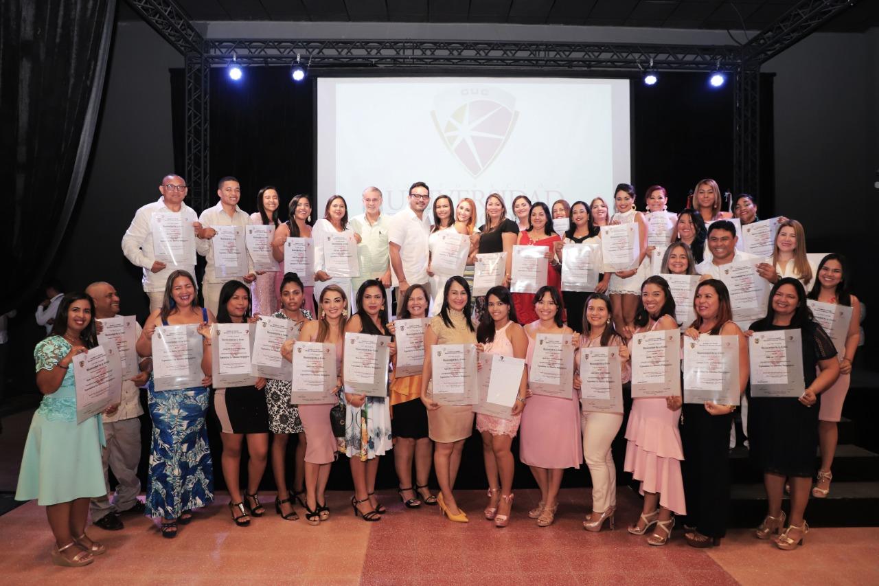 Gobernación materializa el sueño de 38 especialistas en Estudios Pedagógicos