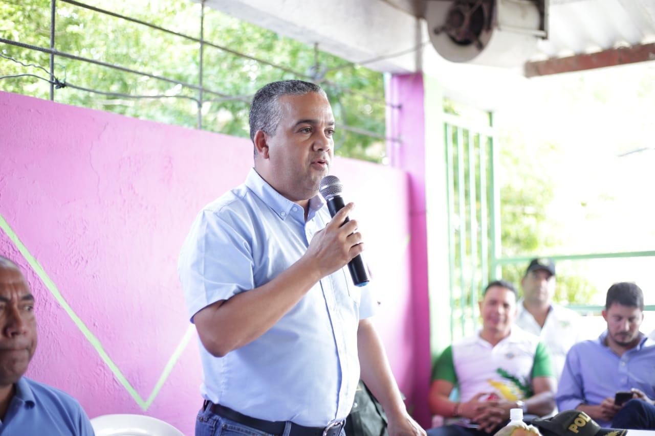 Alcalde mayor de Cartagena se reúne con comunidad de Arroyo Grande