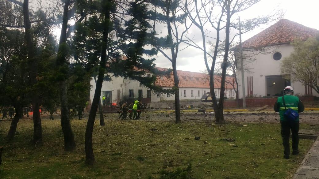 Carro Bomba explota en la escuela de policía de cadetes general Santander en Bogota