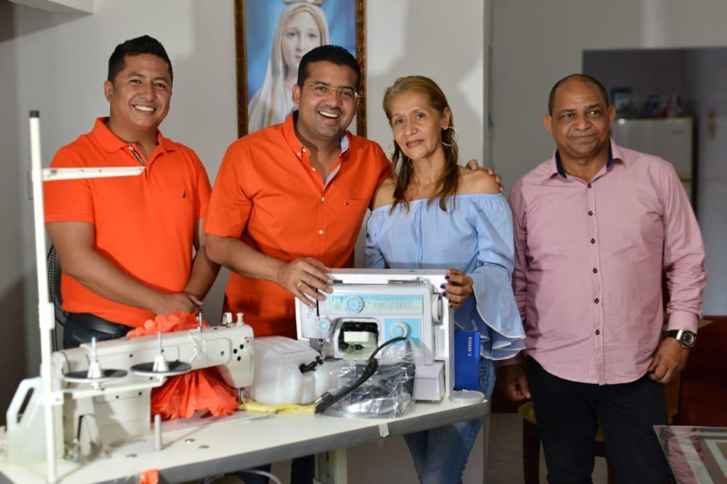 Alcalde Augusto Ramírez Uhía hizo entrega de herramientas a emprendedores de 350 beneficiarios