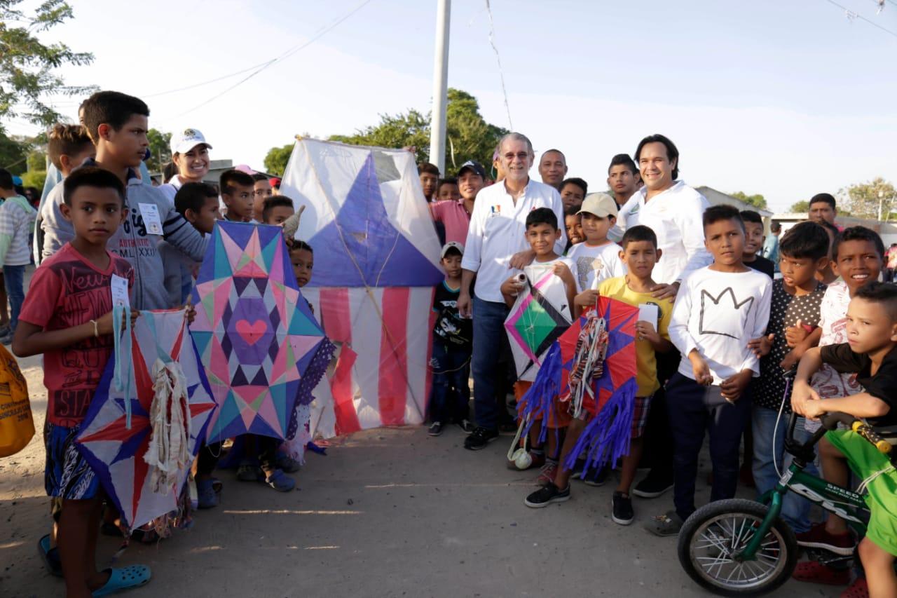 Gobernador Verano estuvo en el IX festival de la Cometa