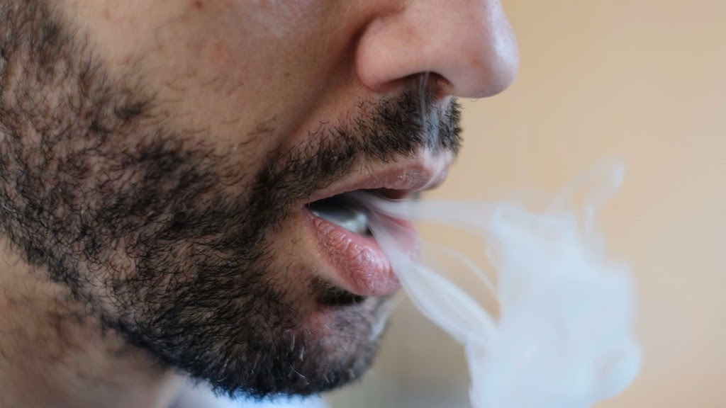 Nueva Zelanda apoya a fumadores