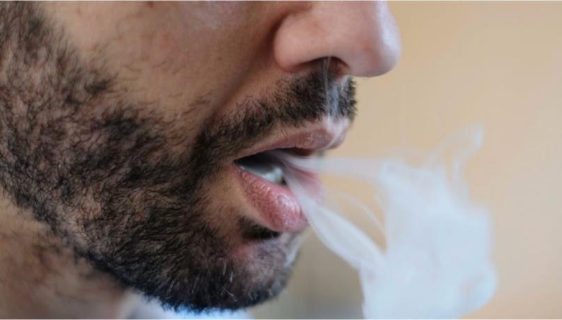 Nueva Zelanda apoya a fumadores adultos hacia alternativas menos dañinas