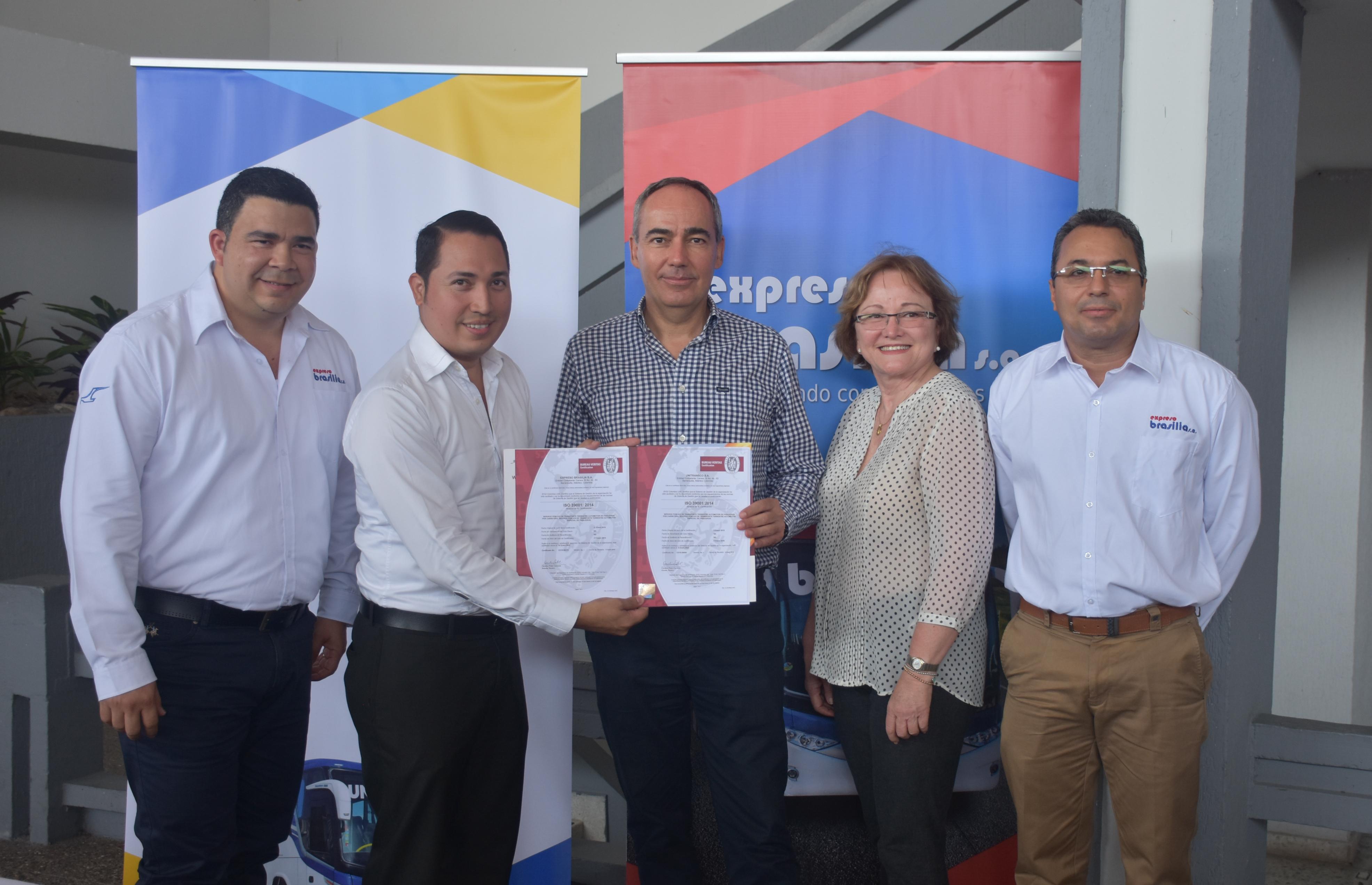 Expreso Brasilia y Unitransco recibieron certificación en seguridad vial