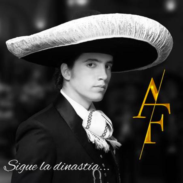 Alex Fernández sigue la dinastía más importante de la música Mexicana