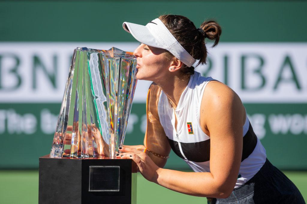 Bianca-Andreescu-campeona-indian-wells-trofeo-lavibrante