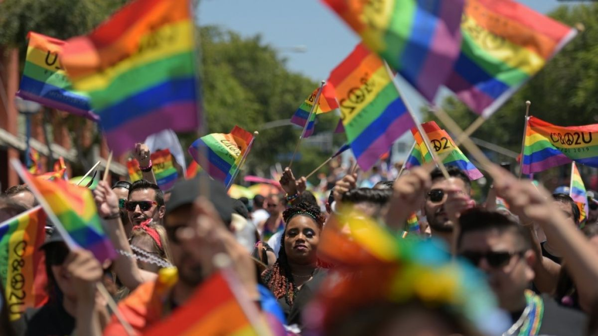 Ecuador aprueba el matrimonio civil igualitario