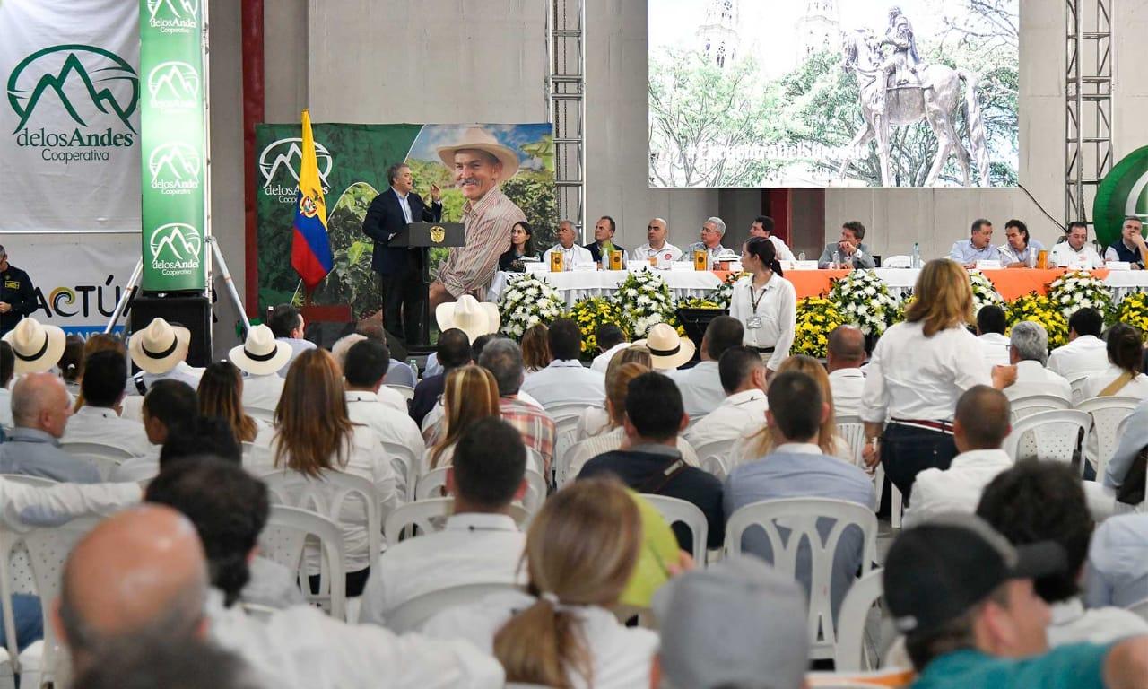 Todos los colombianos debemos seguir trabajando para que cese la usurpación en Venezuela, porque esta también es una apuesta por el futuro de Colombia: Presidente Duque