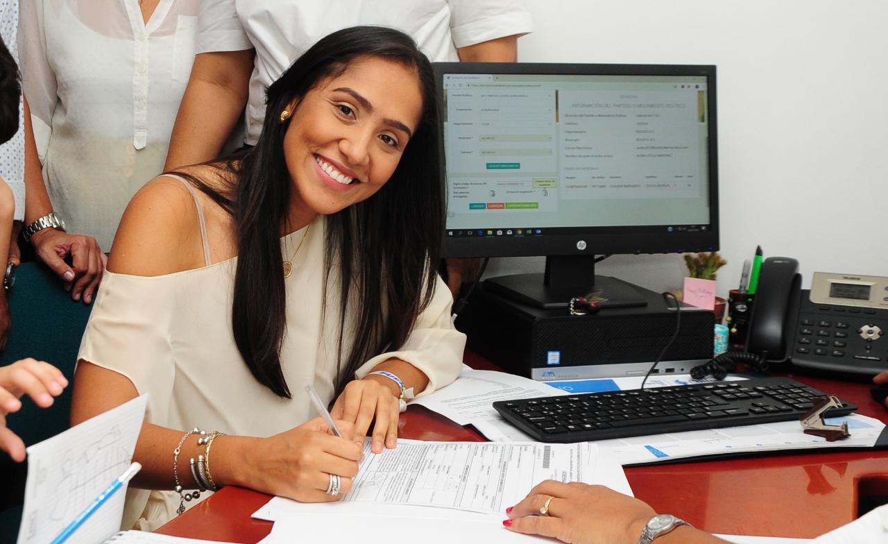 Claudia Zuleta Murgas inscribió su candidatura a la gobernación del cesar por el partido centro democrático