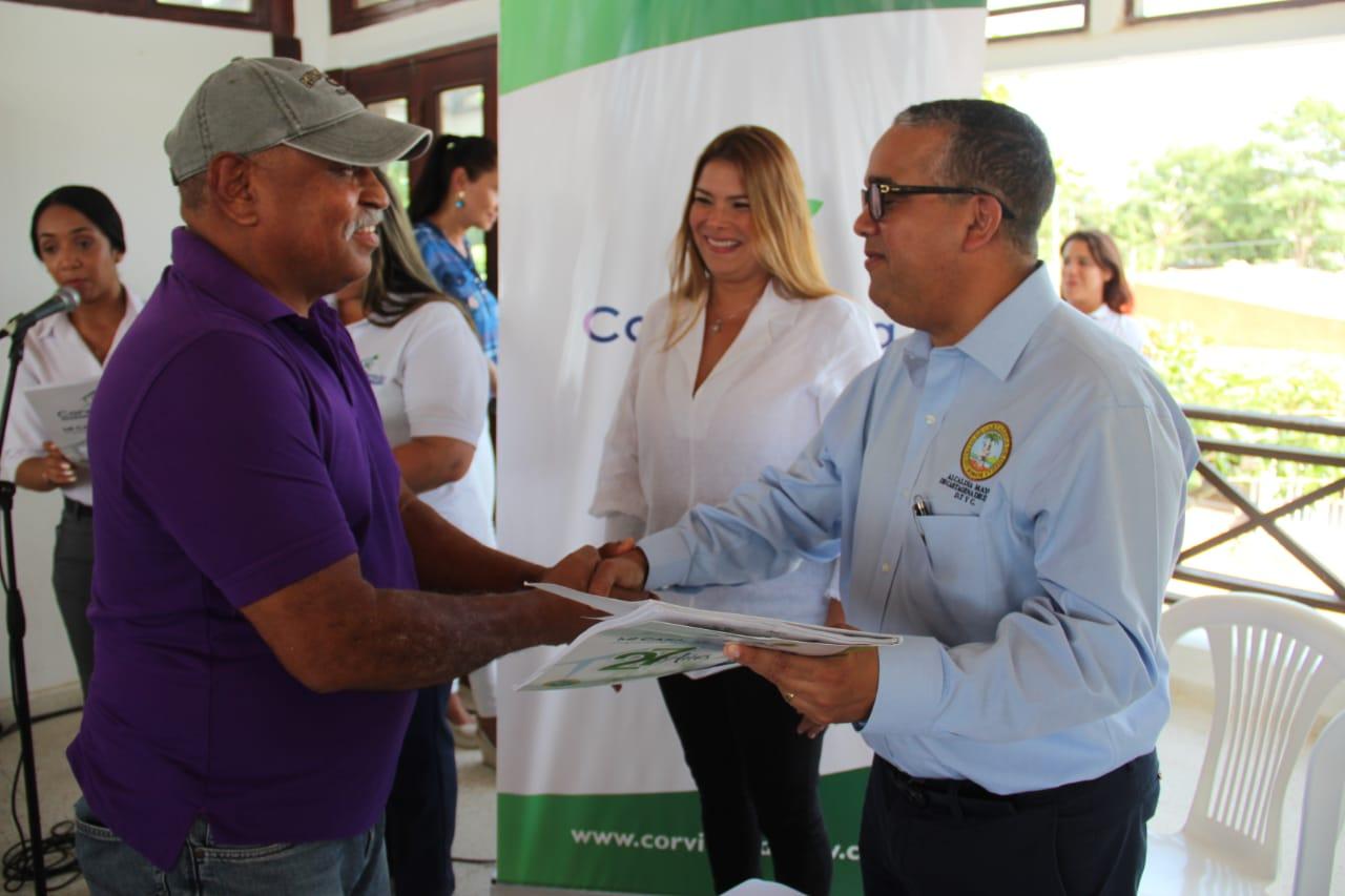 Cartagena: Alcalde entrega 100 títulos de vivienda y 23 casas nuevas en El Pozón y Manzana 72 de Ciudad Bicentenario