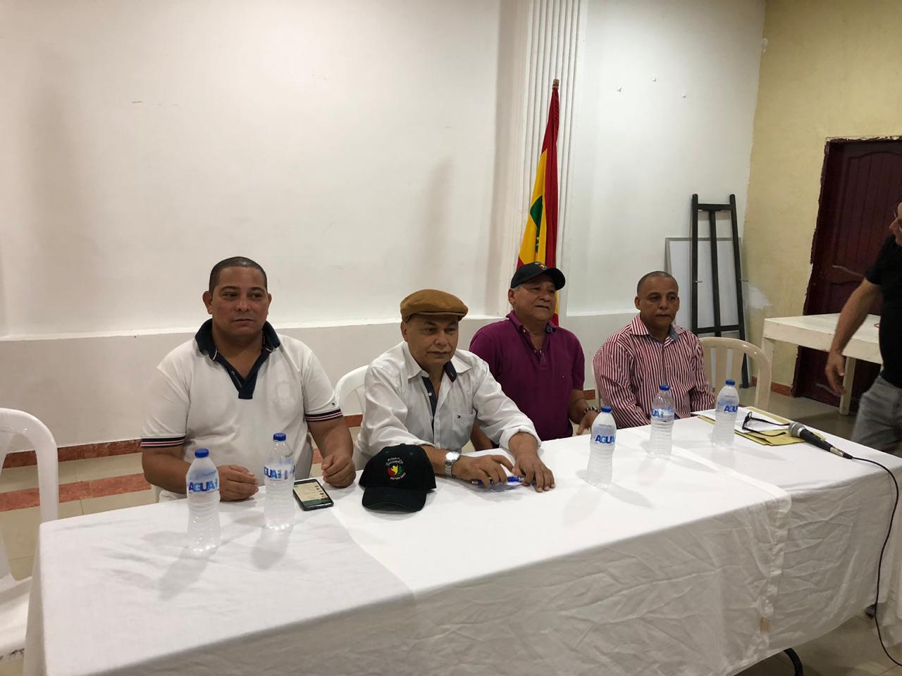 400 lideres proveniente de diversos grupos  sociales  se adhieren  A Ospino, Pumarejo y Elsa